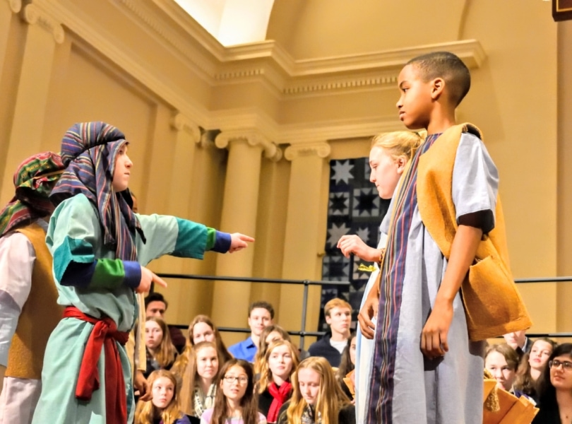 Children portray Nativity scene