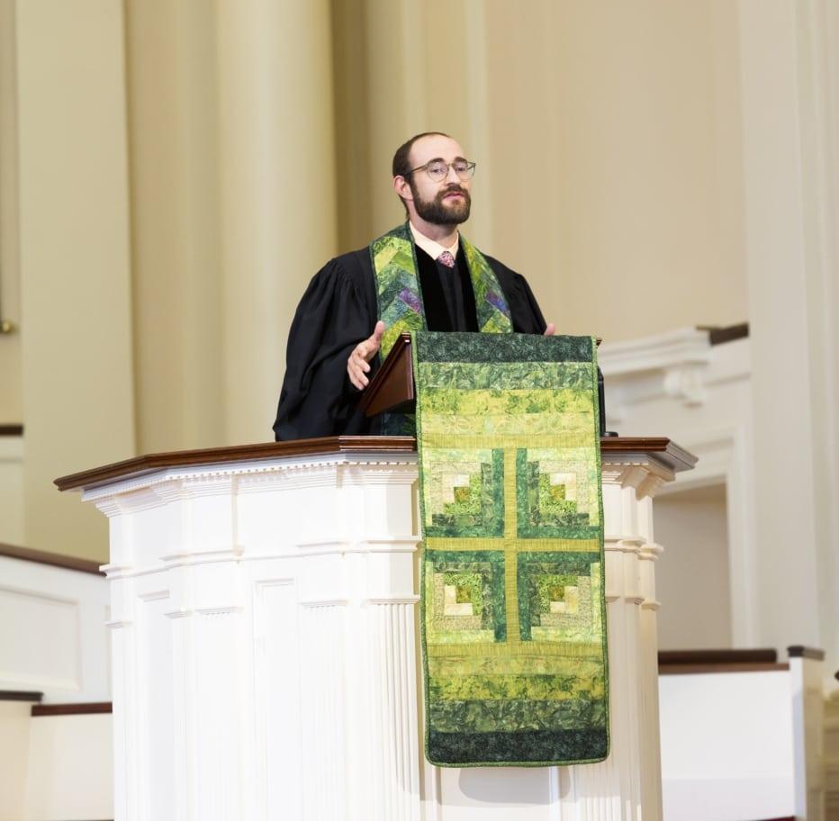 Rev. Bob Feeney in the pulpit